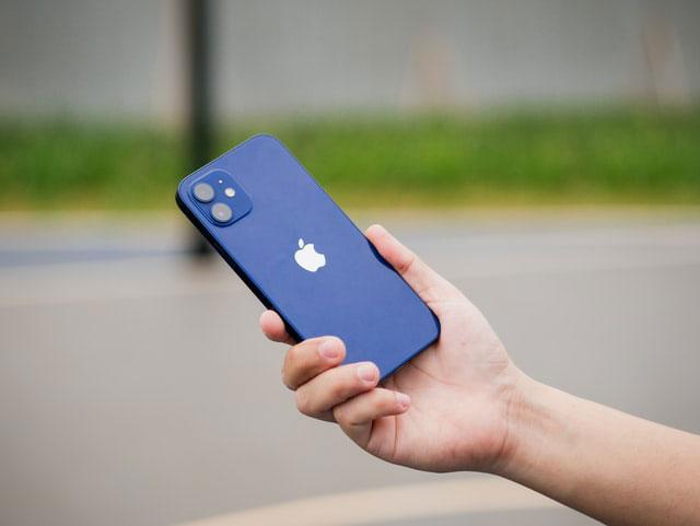 iPhone 12 vs. Galaxy Note 20
